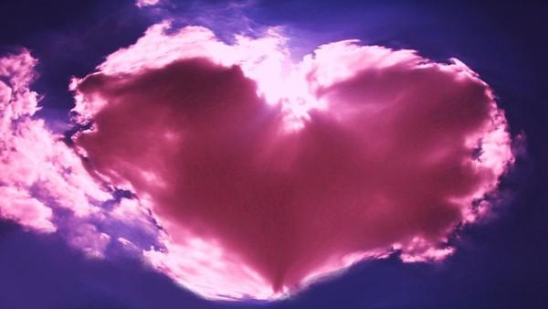 joli nuage rose en forme de coeur nuage rose. Black Bedroom Furniture Sets. Home Design Ideas