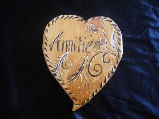 AMITIE.joli coeur en bois