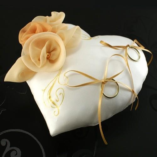 Coussin porte alliances en coeur pour mariage centerblog - Porte alliances mariage ...