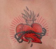 Tatouage de Coeur qui saigne